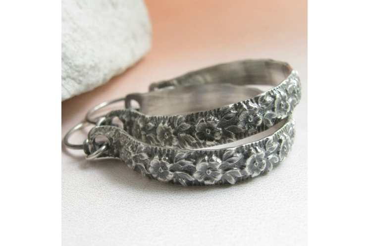 "1.5"" sterling silver floral hoop earrings image 1"