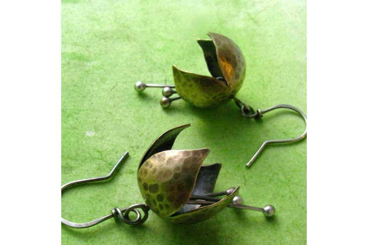 Mixed Metal, Nugold And Sterling Silver Tinkling Bell Flower Earrings - Image 5