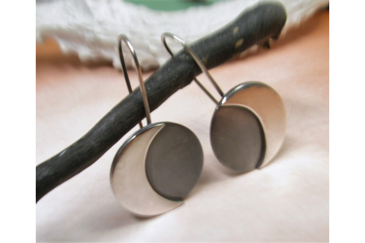 Argentium Sterling Silver Moon Earrings Image 3