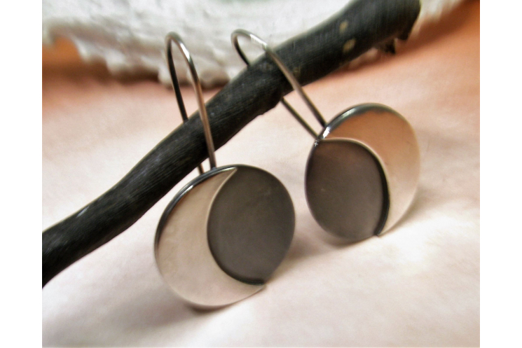 Argentium Sterling Silver Moon Earrings Image 1