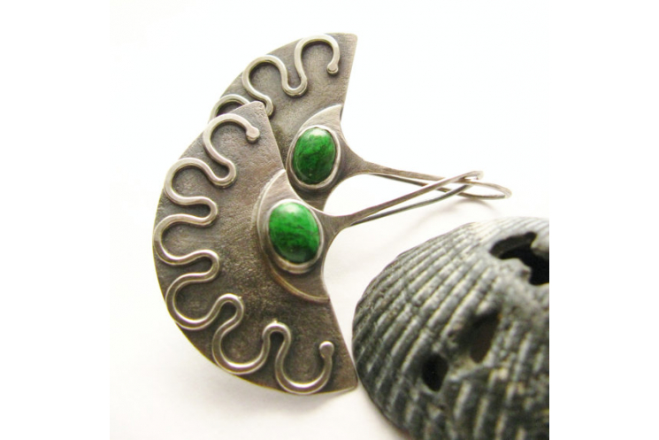 Emerald Green Maw Sit Sit And Argentium Sterling Silver Exotic Fan Earrings - 3