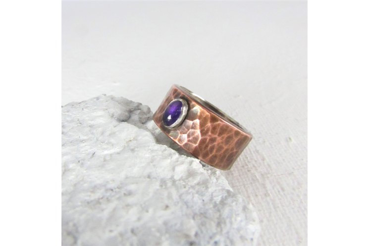 Size 7.5 Silver Lined Hammered Copper Ring With Amethyst