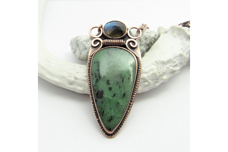 Solid Copper Necklace With Zoisite And Labradorite