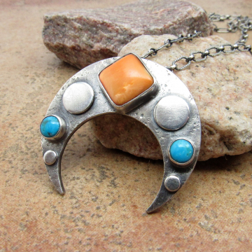 Spiny Oyster And Turquoise Sterling Silver Contemporary Naja Necklace, Upside Down Crescent Moon Necklace, One Of A Kind Jewelry By Mocahete